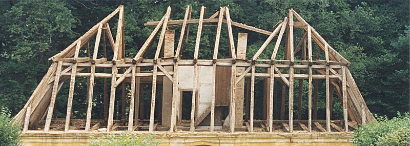 Dachkonstruktion Holz Einsturzgefährdet
